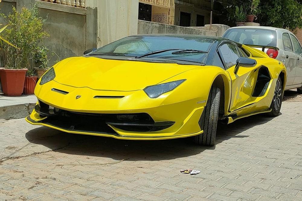 Phía trước của chiếc Lamborghini Aventador SVJ nhái