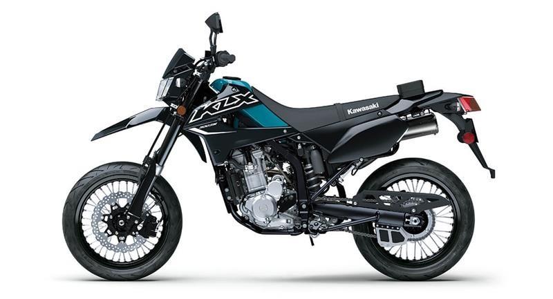 Kawasaki KLX300SM 2022 không có thay đổi về ngoại hình cũng như trang bị cơ bản