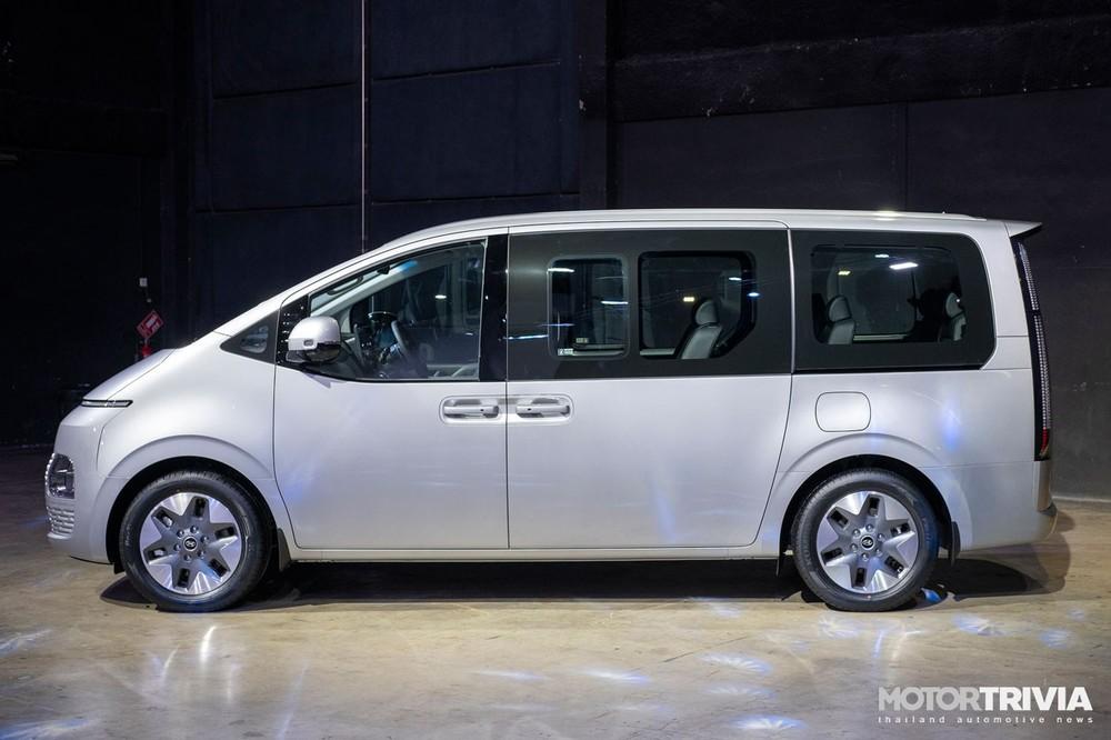 Hyundai Staria 2021 có kích thước khá lớn