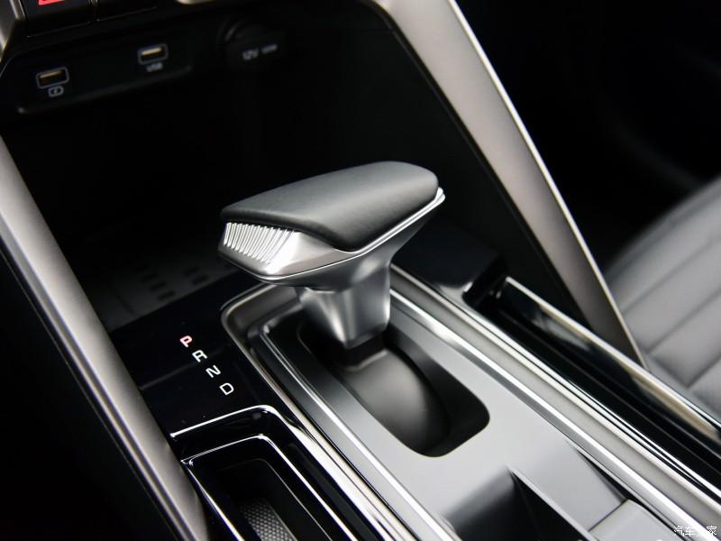 Kia Sportage Ace 2021 bản GT-Line dùng hộp số tự động ly hợp kép 7 cấp