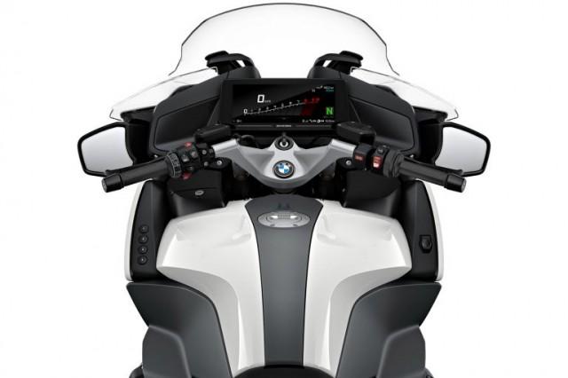 BMW R1250RT 2022 được bán ra từ tháng 11/2021