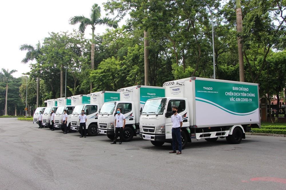 Những chiếc xe vận chuyển và tiêm vắc-xin lưu động của THACO