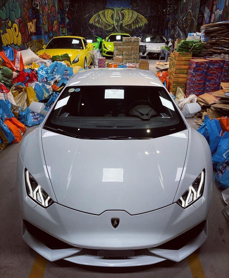 Siêu xe Lamborghini Huracan màu trắng độc nhất Việt Nam tiếp tục tìm chủ mới