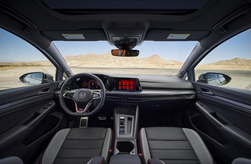 Ghế bọc da của Volkswagen Golf GTI 2022