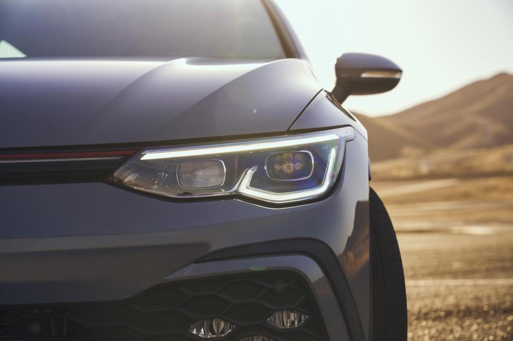 Dải đèn LED định vị ban ngày của Volkswagen Golf GTI 2022