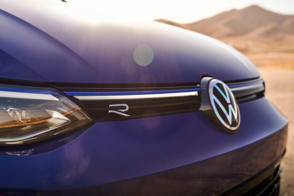 Volkswagen Golf R 2022 đắt hơn nhiều so với Honda Civic Type R