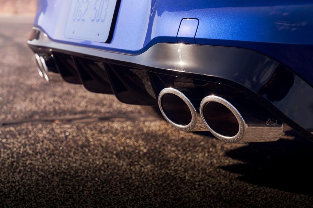 Volkswagen Golf R 2022 có 4 ống xả phía sau