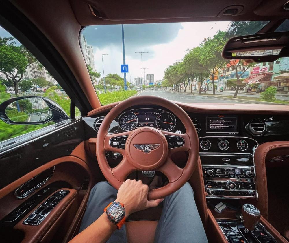 Lái Bentley vẫn đeo Richard Mille RM11-03 McLaren