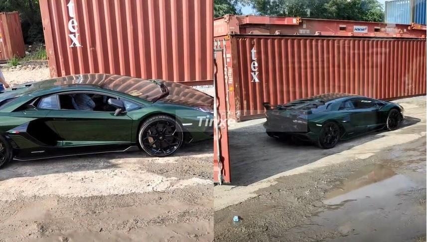 Hình ảnh hiếm hoi siêu xe Lamborghini Aventador SVJ màu xanh đậm Verde Ermes mới cập cảng Việt Nam