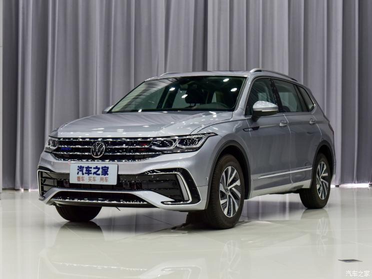 Volkswagen Tiguan L 2021 dùng động cơ xăng 4 xi-lanh, tăng áp, dung tích 1.4L và mô-tơ điện