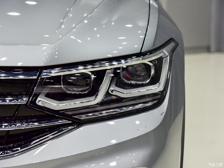 Đèn pha của Volkswagen Tiguan L 2021