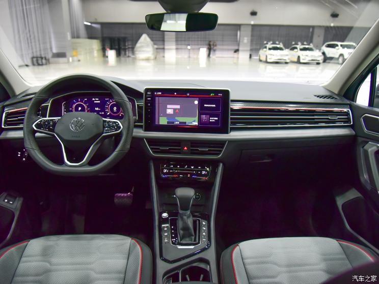 Nội thất của Volkswagen Tiguan L 2021