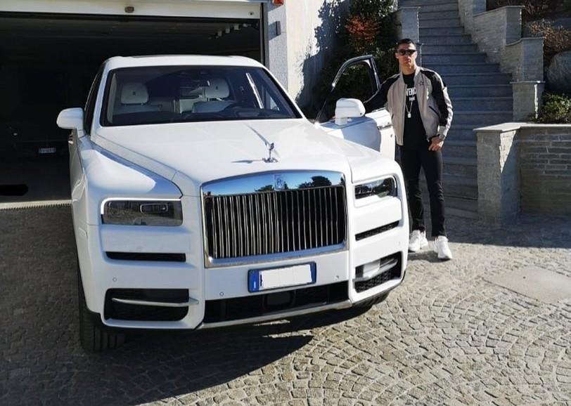 CR7 còn sở hữu 1 chiếc xe Rolls-Royce khác là Cullinan