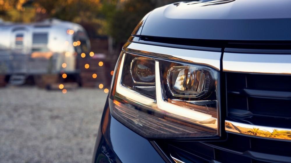 Cận cảnh đèn pha của Volkswagen Teramont 2021