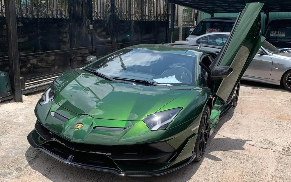 Hiện giới mê xe đang chờ hình ảnh siêu xe Lamborghini Aventador LP770-4 SVJ về garage của đại gia lan đột biến