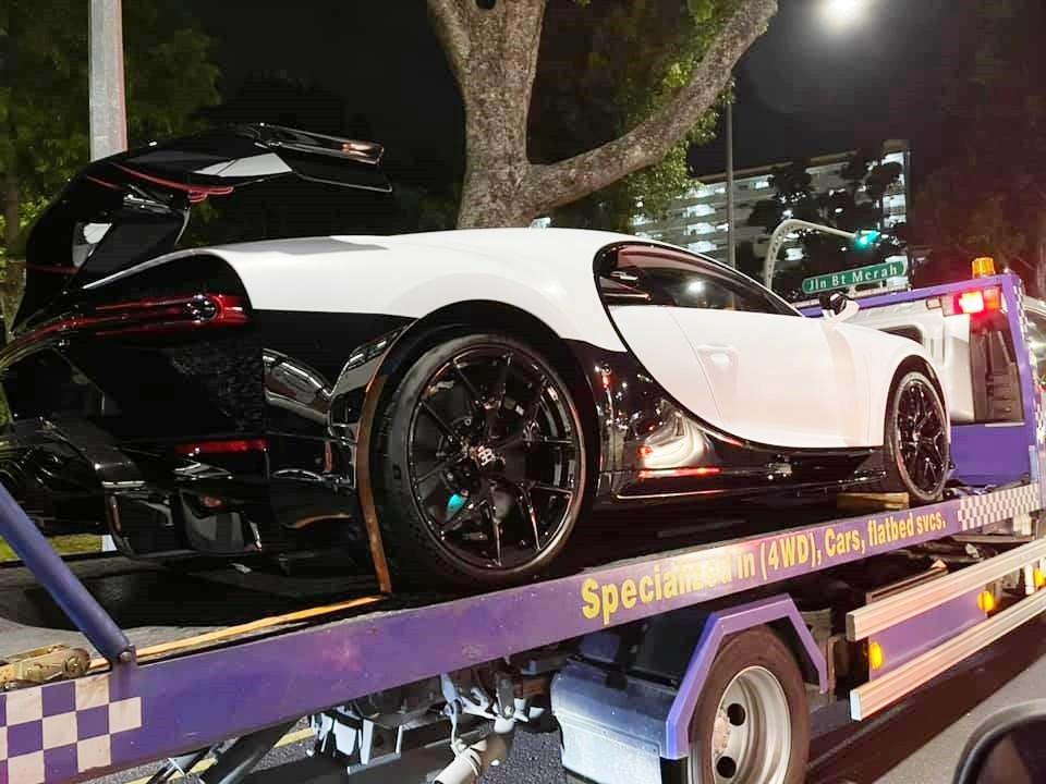 Còn đây là chiếc xe Bugatti Chiron Pur Sport được vận chuyển đến Singapore