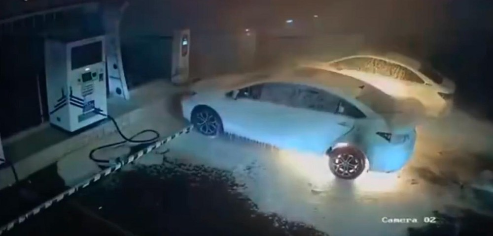 Chiếc ô tô điện Chery Arrizo E cháy khi đang sạc