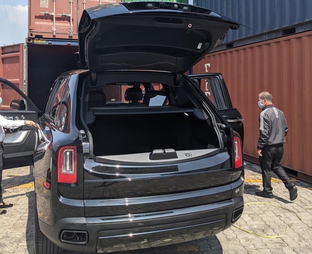 1 chiếc xe Rolls-Royce Cullinan Black Badge được nhập về nước vào đầu năm nay