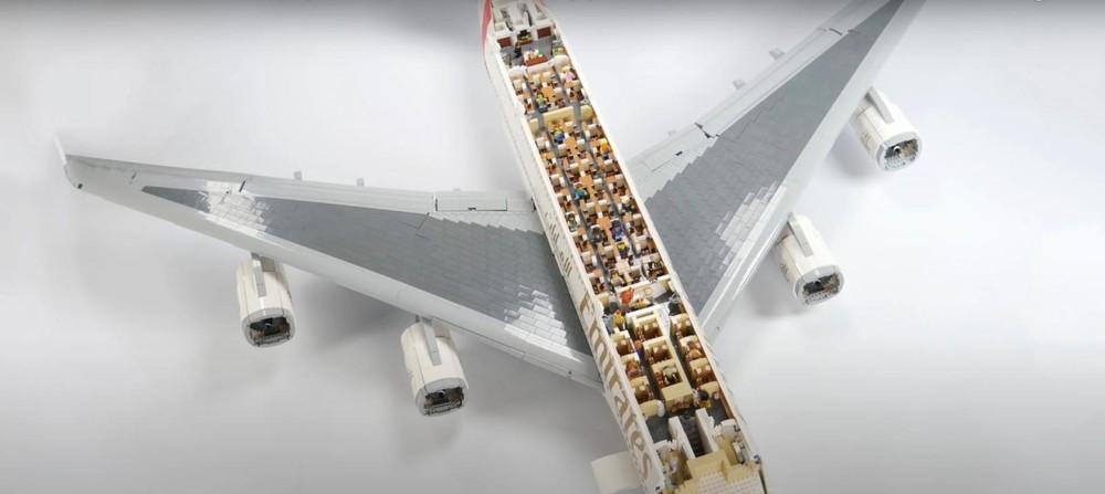 Nó đúng thực là một chiếc Airbus A380 thu nhỏ, sống động vô cùng