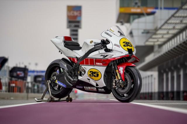Yamaha M1 phiên bản kỷ niệm 60 năm trước đó đã lăn bánh trên đường đua MotoGP