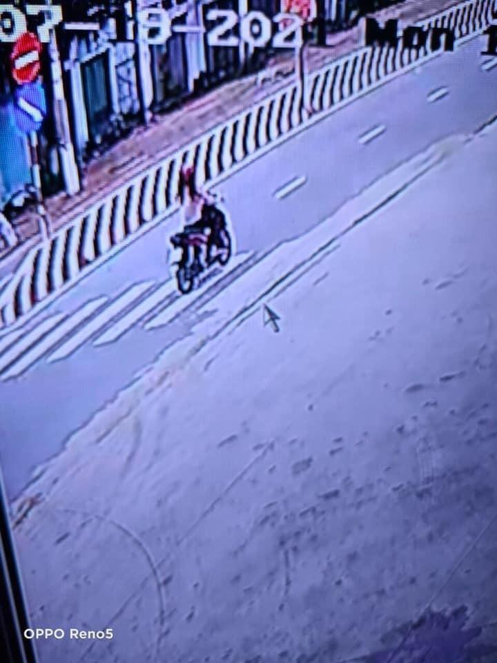 Cô gái điều khiển chiếc Honda Air Blade bỏ chạy sau khi gây tai nạn