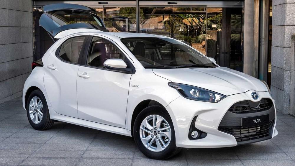 Toyota Yaris ECOVan 2021 có thiết kế ngoại thất khá giống bản thường