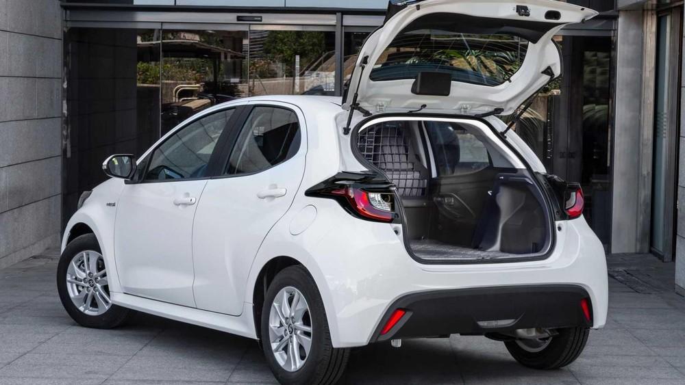 Toyota Yaris ECOVan 2021 là mẫu xe thương mại duy nhất dùng hệ truyền động hybrid