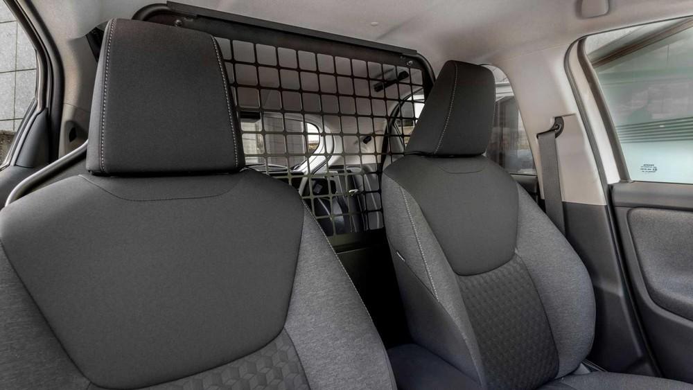 Ghế bọc nỉ của Toyota Yaris ECOVan 2021