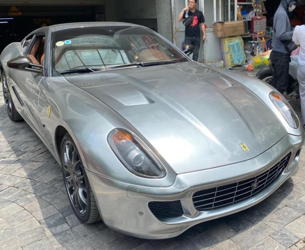 Hình ảnh chiếc siêu xe Ferrari 599 GTB xuất hiện trên đường phố Hải Phòng