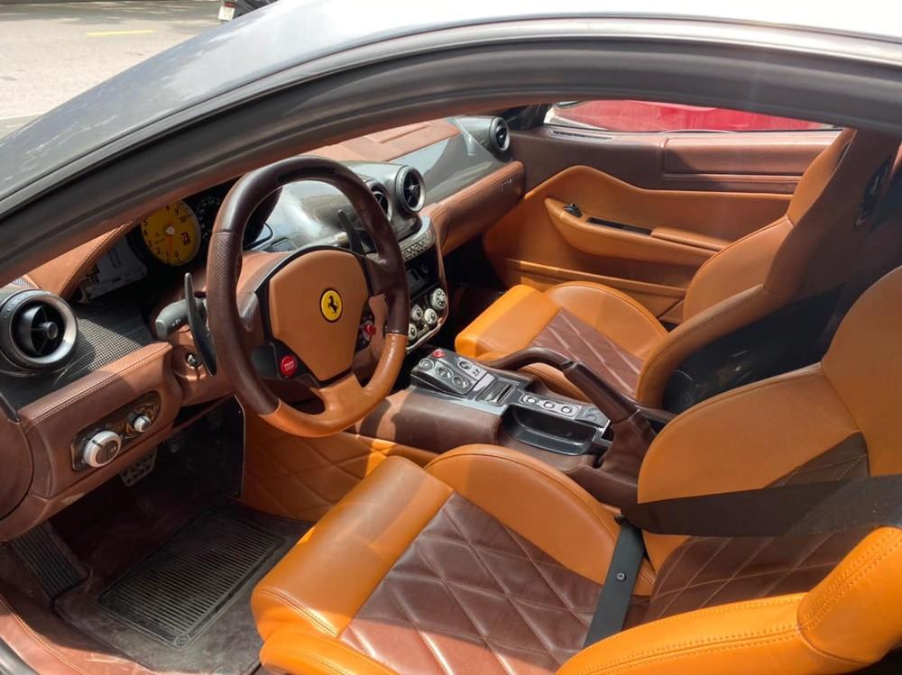 Cận cảnh khoang lái siêu xe Ferrari 599 GTB ở Hải Phòng