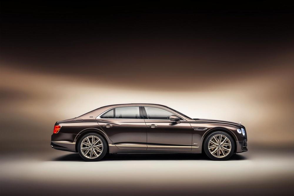 Bentley Flying Spur Hybrid Odyssean Edition 2022 có nhiều chi tiết mạ crôm sang trọng
