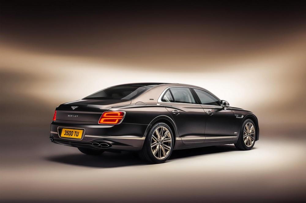 Bentley Flying Spur Hybrid Odyssean Edition 2022 dùng hệ truyền động hybrid mạnh hơn cả Bentayga