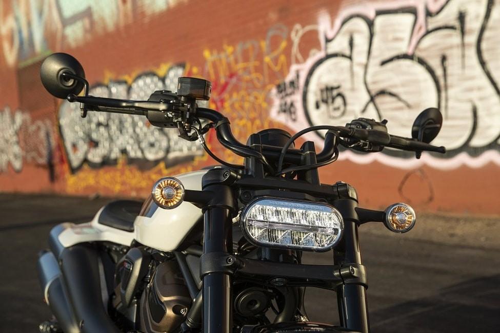 Harley-Davidson Sportster S 2021 sở hữu đèn full LED và thiết kế gọn gàng