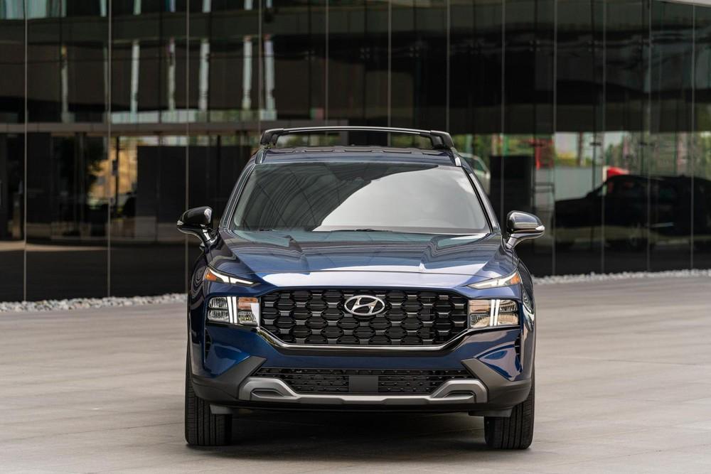 Hyundai Santa Fe XRT 2022 dùng động cơ xăng 2.5L