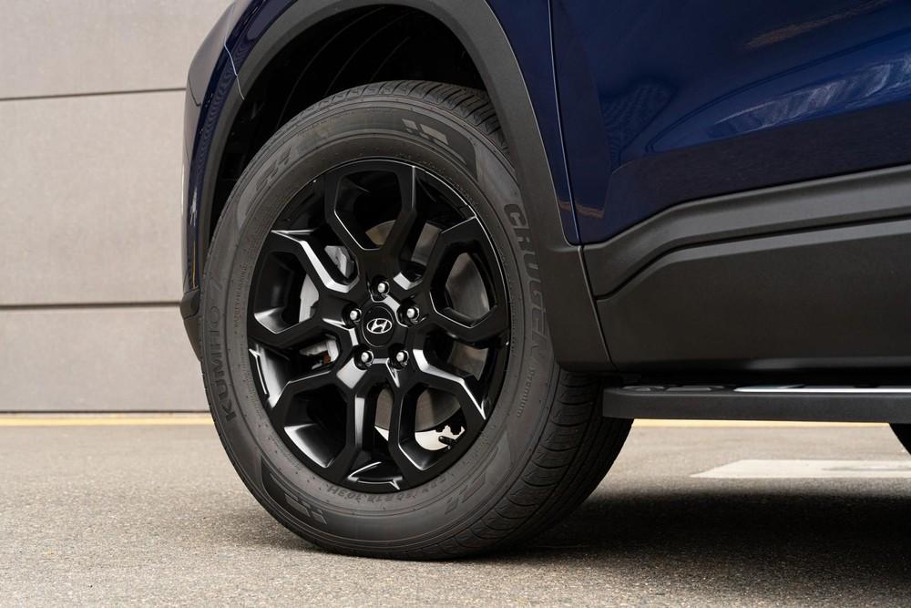 Bộ vành màu tối của Hyundai Santa Fe XRT 2022