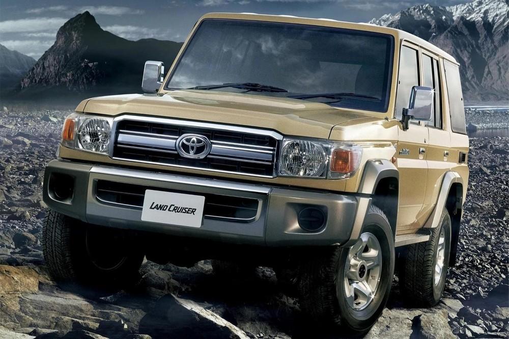 Toyota Land Cruiser 70 Series thông thường