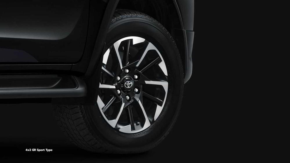 Bộ vành của Toyota Fortuner GR Sport 2022