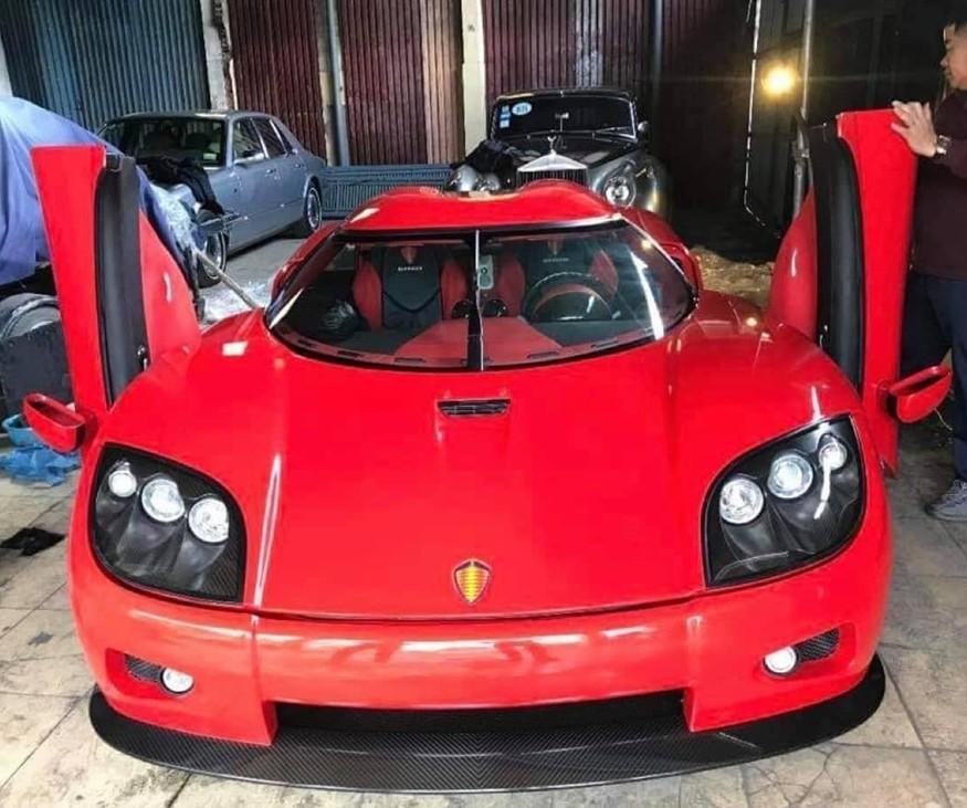 Hình ảnh chiếc siêu xe Koenigsegg CCX xuất hiện tại 1 garage xe ở ngoài Bắc