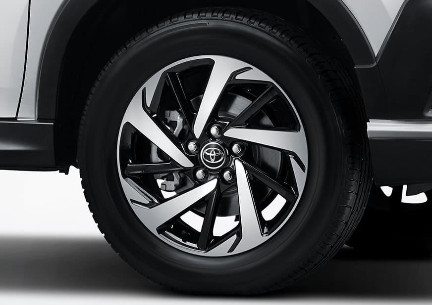Vành 17 inch của Toyota Rush GR Sport 2022