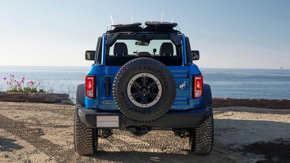 Phía sau của Ford Bronco Riptide