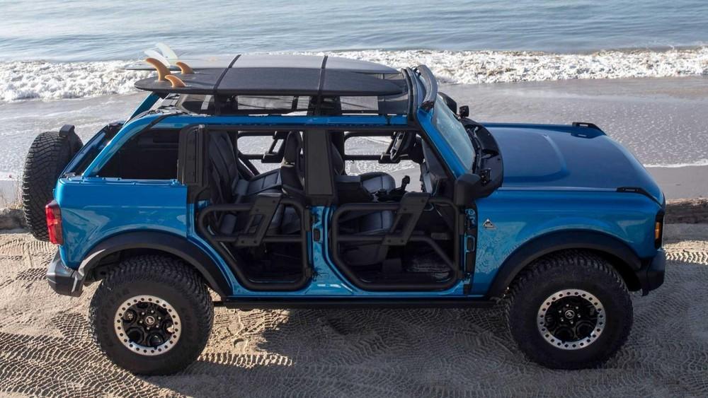Ford Bronco Riptide là phương tiện lý tưởng cho các bãi biển