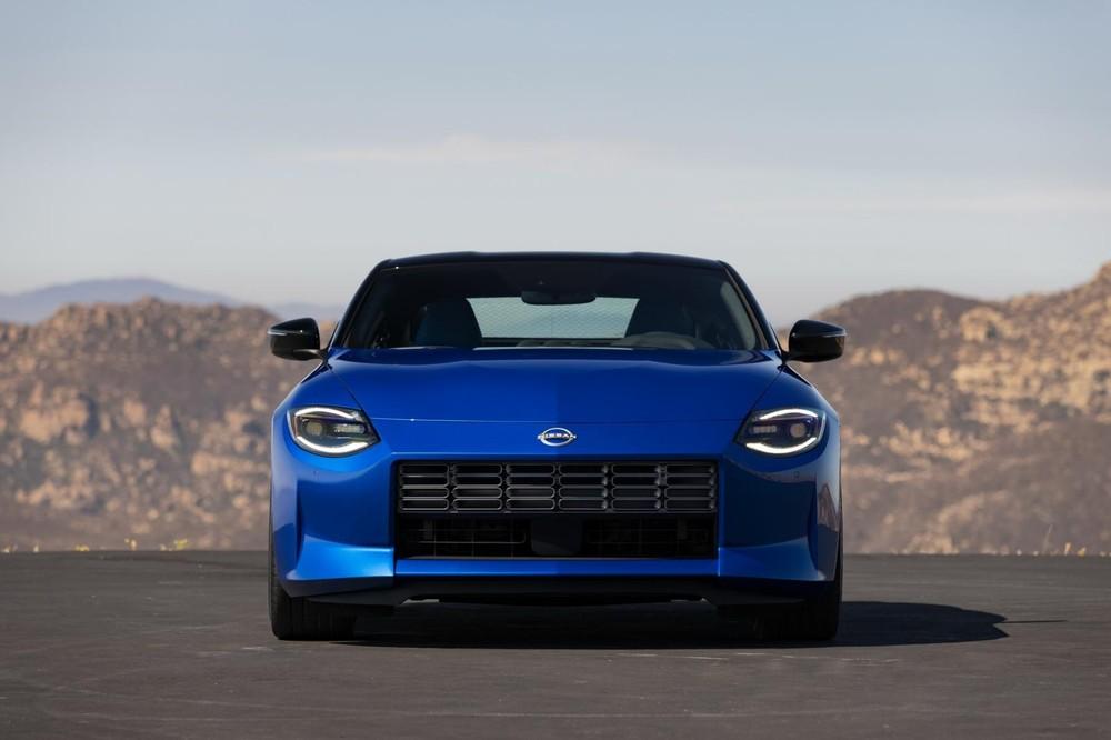 Cận cảnh thiết kế đầu xe của Nissan Z 2023