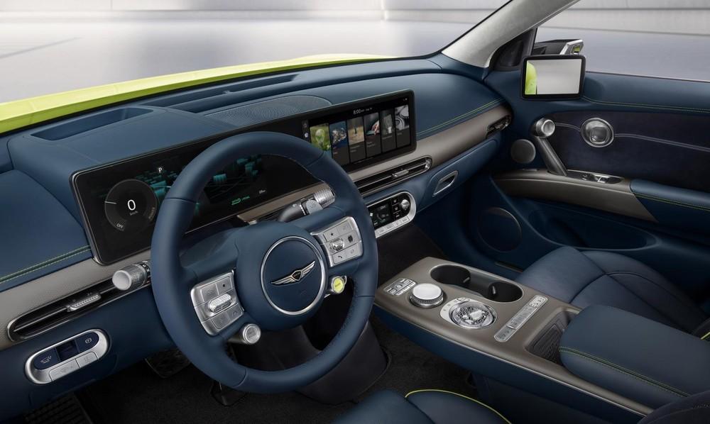Genesis GV60 2022 được trang bị màn hình cỡ lớn trên mặt táp-lô