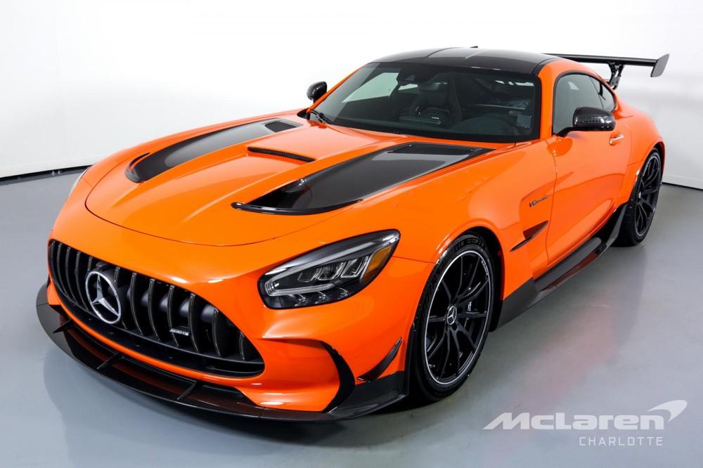 Mức giá trải nghiệm siêu xe Mercedes-AMG GT Black Series này được đưa ra lên đến 18 tỷ đồng