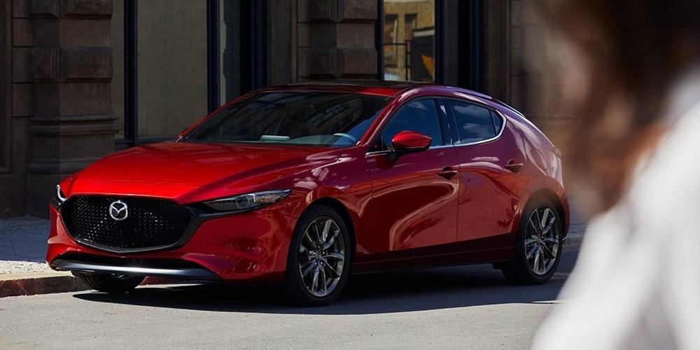 Mazda3 nổi bật với vẻ ngoài bóng bẩy, thời trang và hiện đại