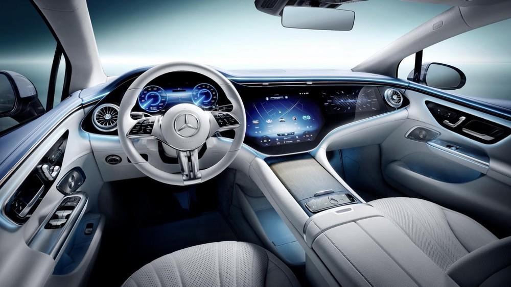 Mercedes-Benz EQE 2022 có tính năng ra lệnh bằng giọng nói nâng cấp