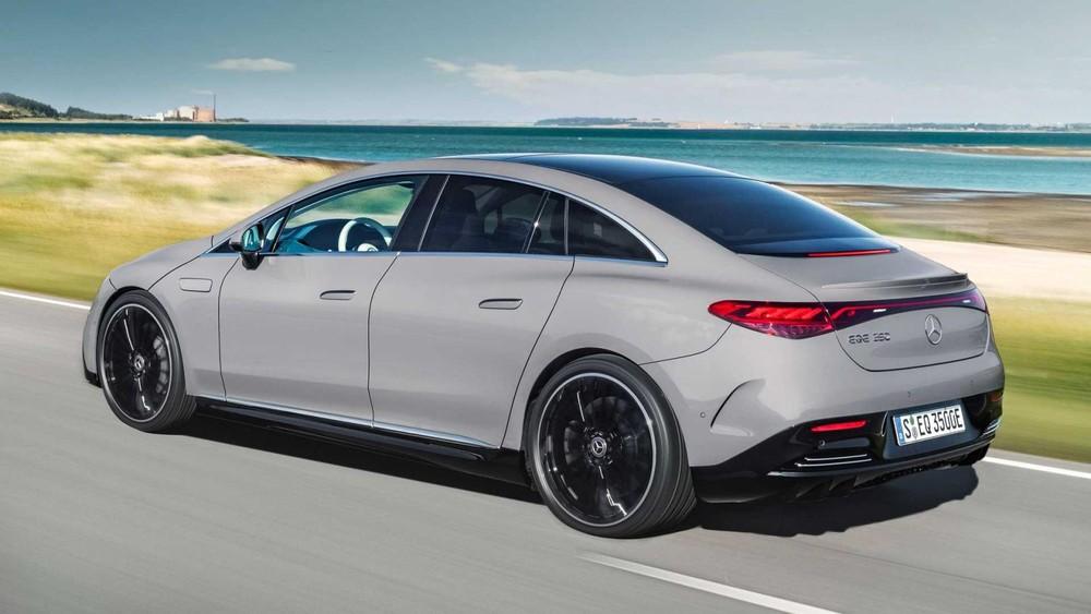 Thiết kế bên sườn của Mercedes-Benz EQE 2022