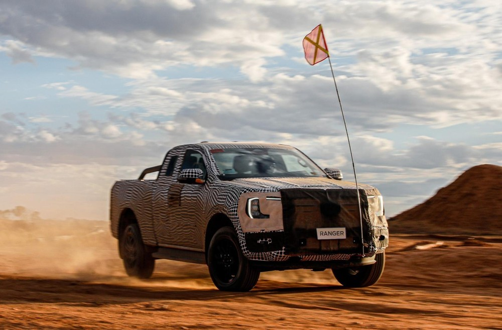 Ford Ranger 2022 được hé lộ hình ảnh