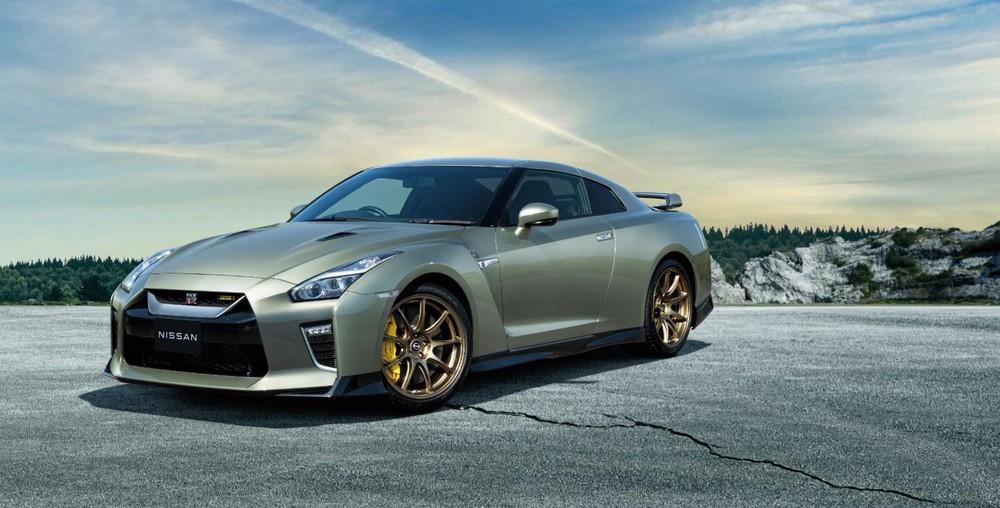 Siêu xe giá mềm Nissan GT-R 2022 ra mắt tại Nhật Bản