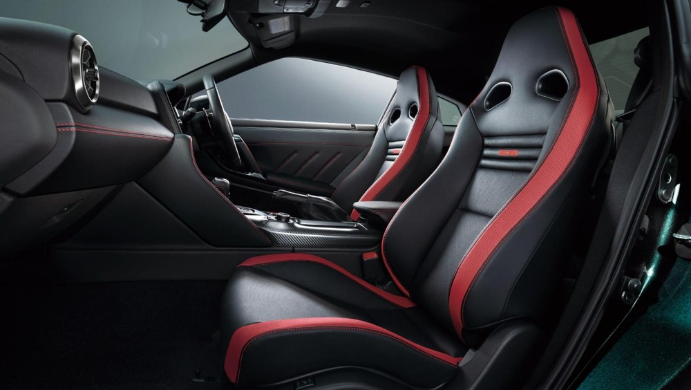 Ghế Recaro thể thao của Nissan GT-R Track Edition Engineered by Nismo T-spec 2022
